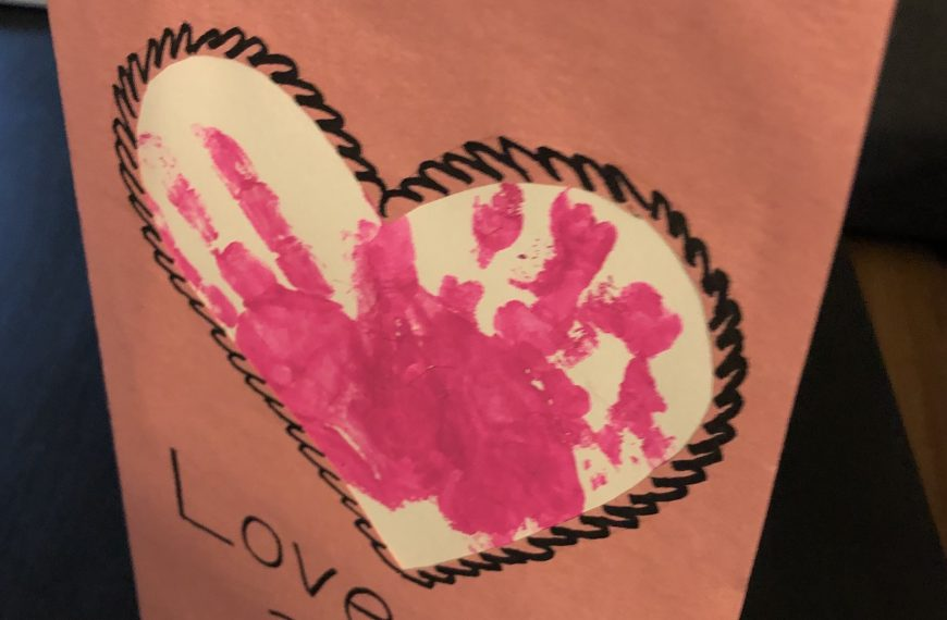 Simple DIY handprint heart card
