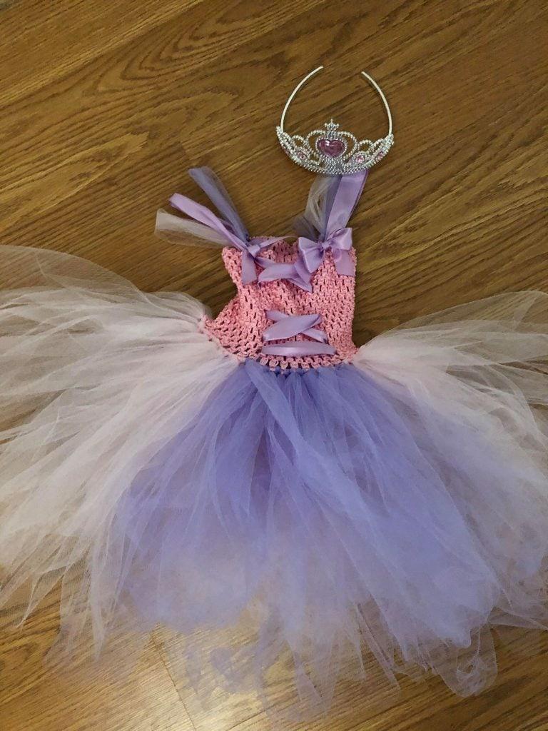 rapunzel dress, creative & Easy DIY Halloween Costume Ideas for Kids