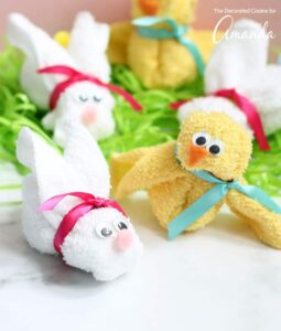 Washcloth Easter bunny and chick